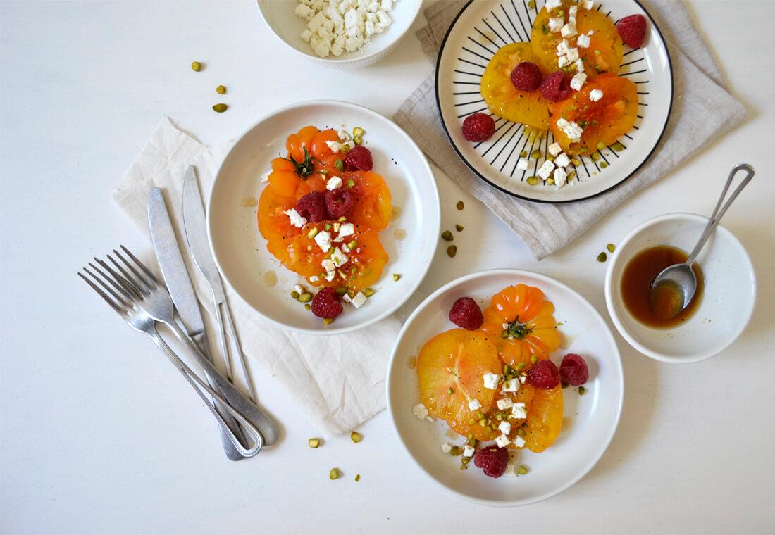 Salade fraîche de tomates jaunes
