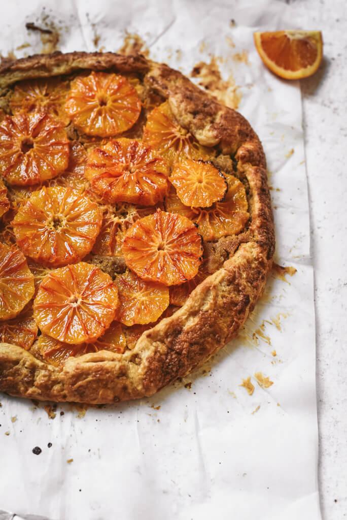 Tarte rustique orange sanguine et crème amandine