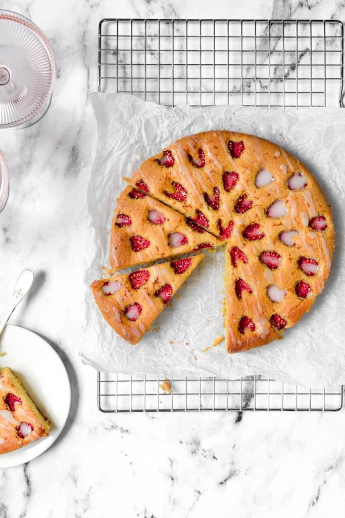 Gâteau aux amandes et framboises